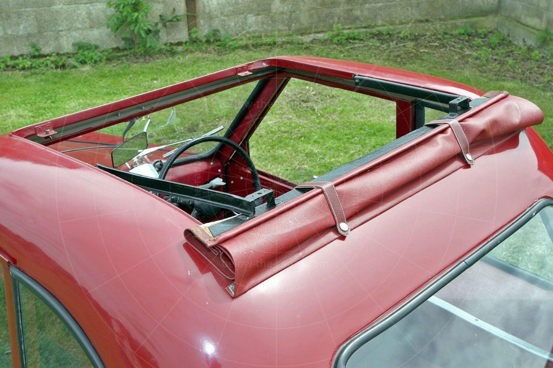 AC Petite cloth sunroof Pic: magiccarpics.co.uk | AC Petite cloth sunroof