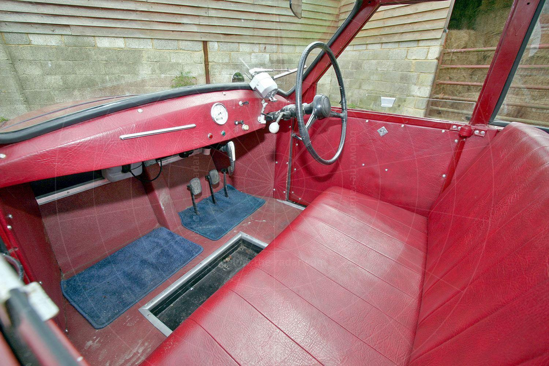 AC Petite interior Pic: magiccarpics.co.uk | AC Petite interior