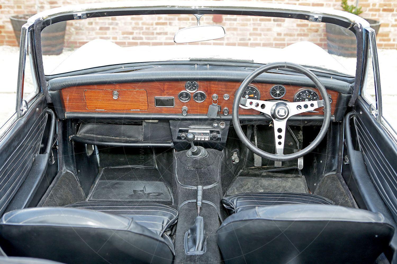 Triumph Fury dashboard Pic: magiccarpics.co.uk | Triumph Fury dashboard
