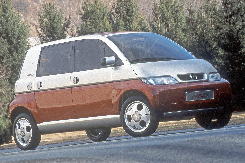 Opel Maxx four-door Pic: GM | Opel Maxx four-door