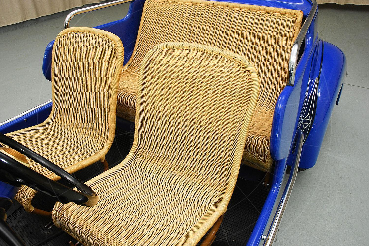 Renault 4CV Jolly seats Pic: Hyman Ltd | Renault 4CV Jolly seats