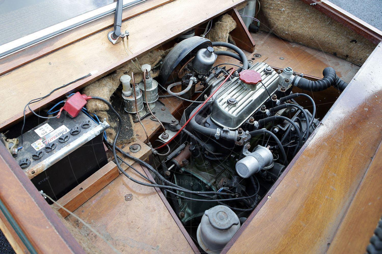 Towns Hustler Six engine bay Pic: magiccarpics.co.uk | Towns Hustler Six engine bay