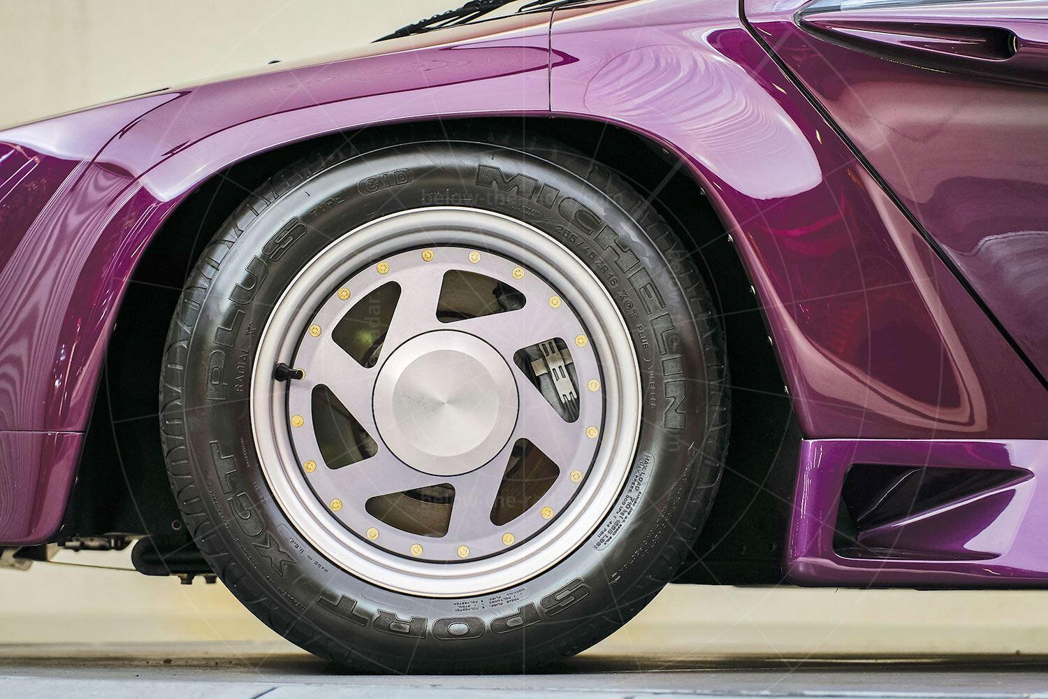 Vector W8 front wheel Pic: RM Sotheby's   Vector W8 front wheel