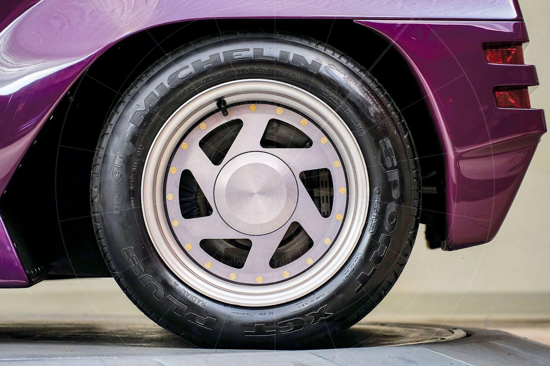 Vector W8 rear wheel Pic: RM Sotheby's   Vector W8 rear wheel