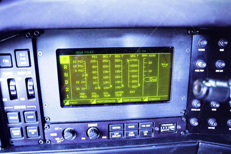 Vector W8 instrumentation Pic: magiccarpics.co.uk   Vector W8 instrumentation