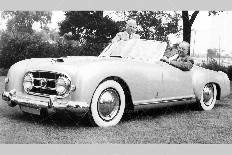 George Mason (in car) with Battista 'Pinin' Farina