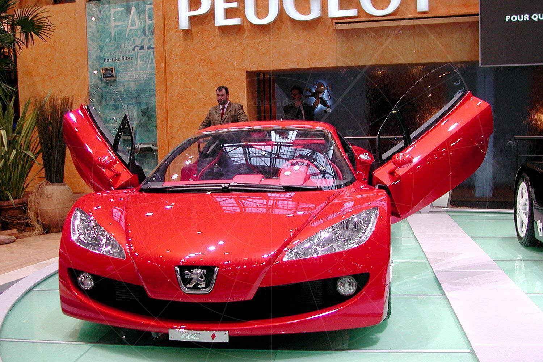 Peugeot RC Diamonds at the 2002 Geneva Salon Pic: magiccarpics.co.uk | Peugeot RC Diamonds at the 2002 Geneva Salon