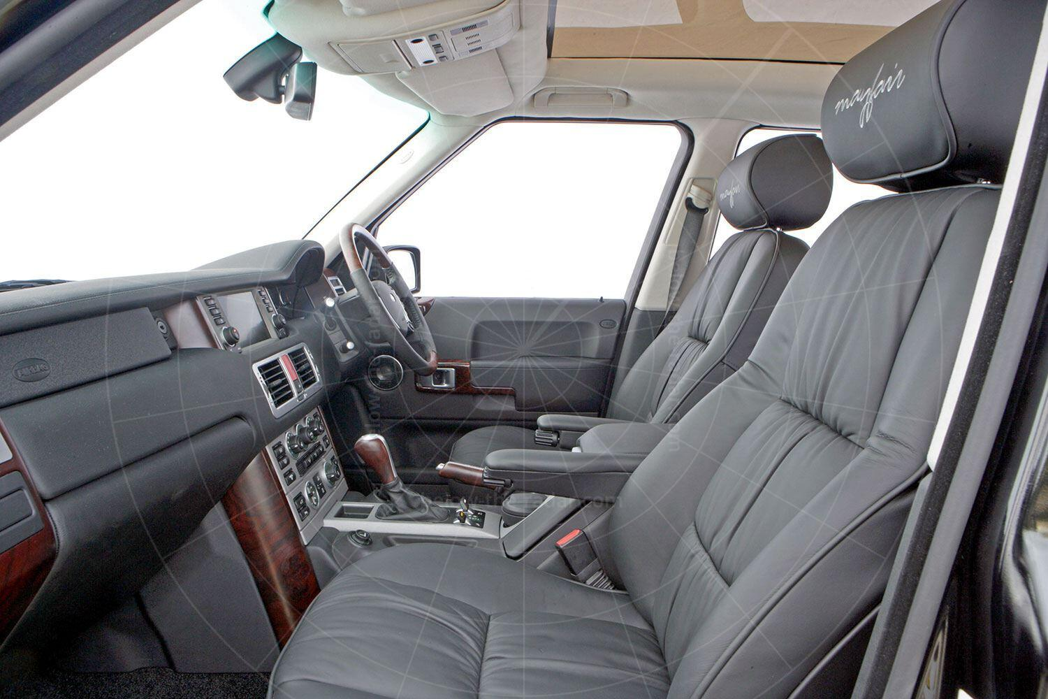 Range Rover Mayfair interior Pic: magiccarpics.co.uk | Range Rover Mayfair interior
