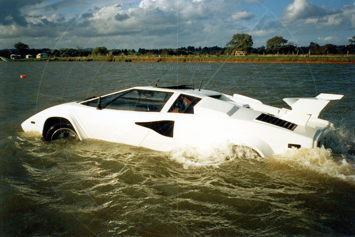 Mike Ryan's amphibious Lamborghini Countach
