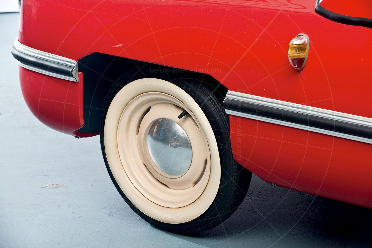 Victoria 250 front wheel Pic: RM Sotheby's | Victoria 250 front wheel