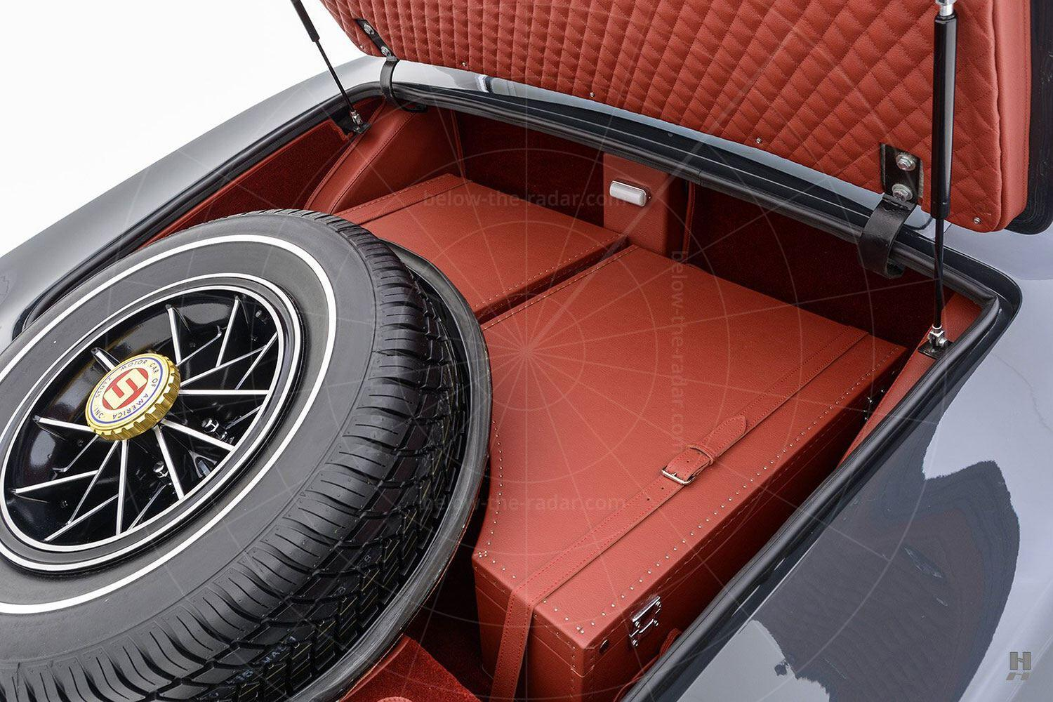 1971 Stutz Blackhawk coupé fitted luggage Pic: Hyman Ltd | 1971 Stutz Blackhawk coupé fitted luggage